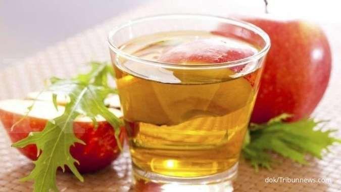 Pakai cuka apel sebagai cara mengobati gusi bengkak.