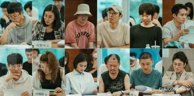 Drama Korea Terbaru Song Joong Ki Tayang Februari 2021 Simak Sinopsis Dan Perannya