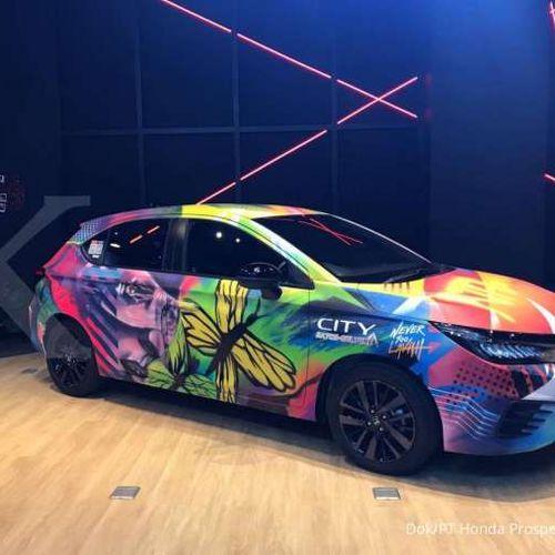 Honda City Hatchback RS Hasil Kolaborasi Nevertoolavish dan Pemenang City Hatch Art Dipajang di Dreams Cafe
