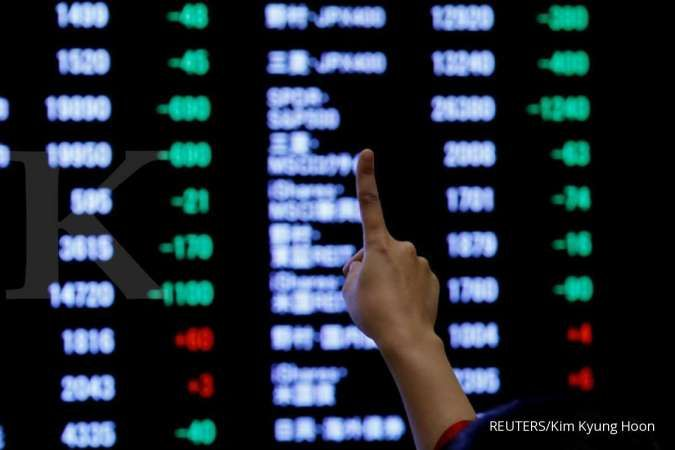 Asian shares at 18-month highs; Nikkei finishes year up 18%