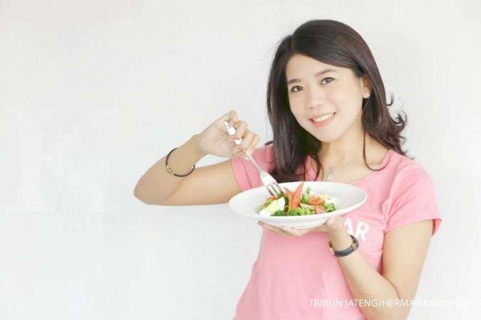 Memperbanyak asupan buah dan sayur bisa membuat Anda mendapatkan berat badan ideal.