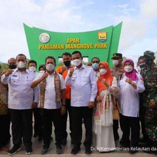 Resmikan Apar Mangrove Park, Menteri Trenggono Ajak Jaga Kebersihan