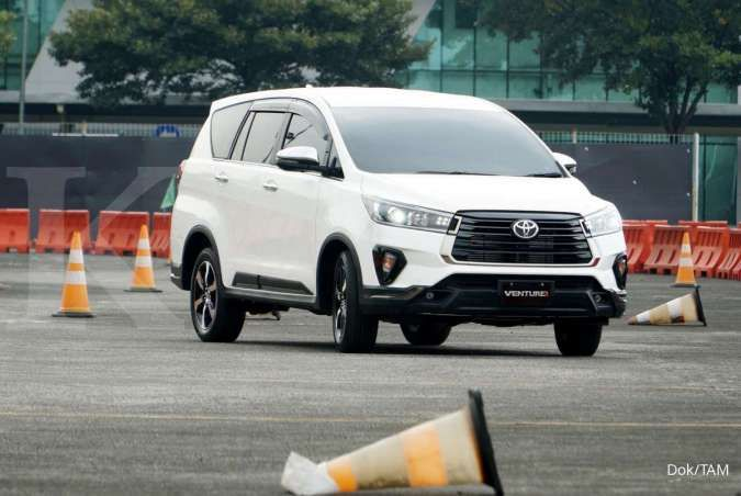 Dapat diskon pajak, harga kijang Innova turun hingga Rp 32 juta