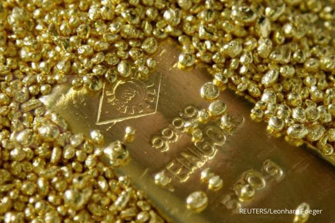 Harga emas merangkak naik setelah anjlok pekan lalu