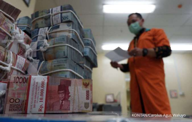 Tengah hari, rupiah spot terus menguat ke level Rp 13.685 per dolar AS