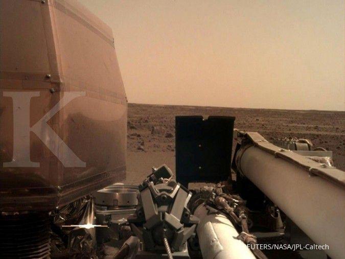 Pendaratan robot InSight di planet Mars