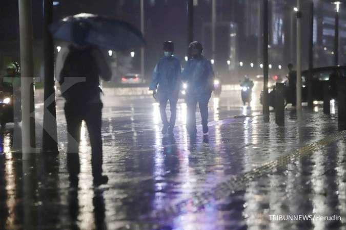 Cuaca besok di Jabodetabek hujan, jangan lupa bawa payung dan jas hujan