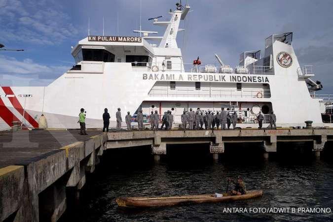 Bakamla menahan kapal tanker Panama dan Iran, diduga transfer BBM ilegal