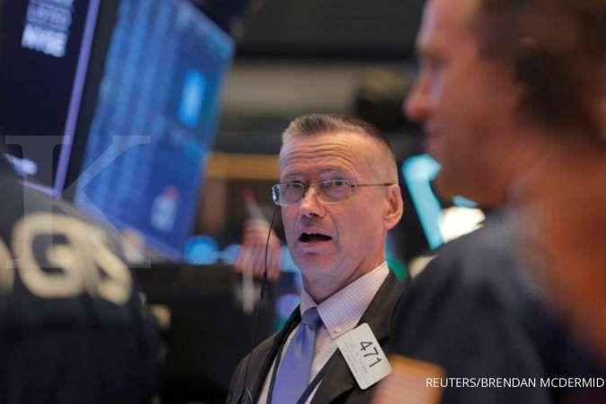 Wall Street tumbang akibat resesi manufaktur