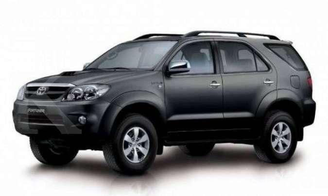 Cek harga mobil bekas Toyota Fortuner keluaran tahun lawas yang kian bersahabat