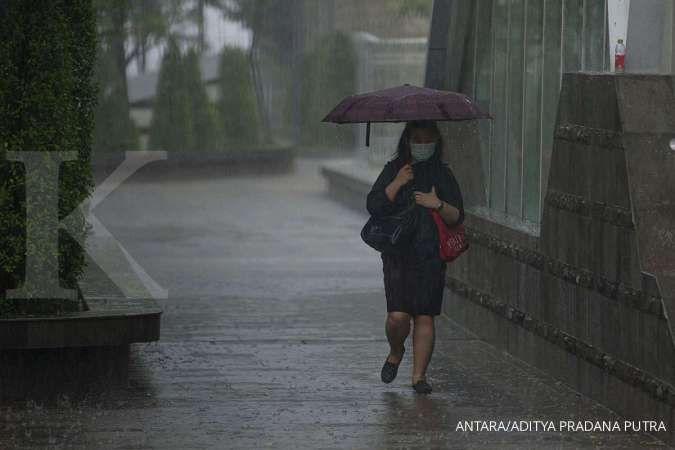 Cuaca hari ini Jabodetabek cerah berawan-hujan, Jakarta Selatan & Timur hujan petir