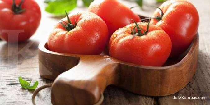 Salah satu sayuran yang mengandung zat besi adalah tomat.