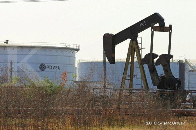 Perlambatan ekonomi global membebani harga minyak
