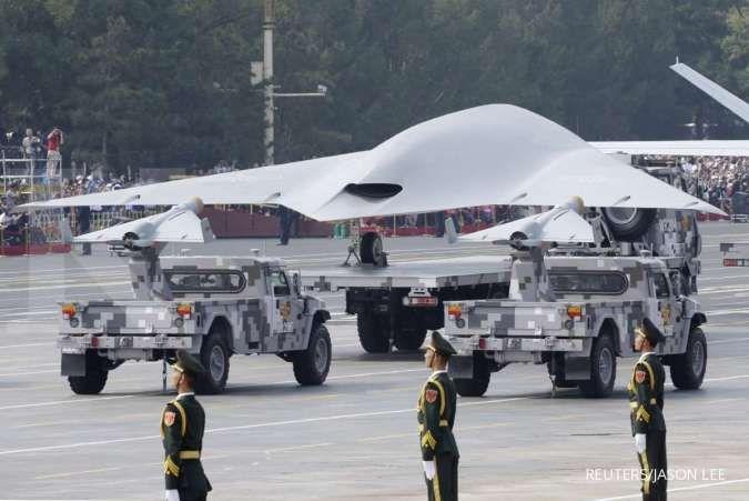 Kapal induk udara tak berawak China, bisa lepas 9 drone untuk berbagai misi tempur
