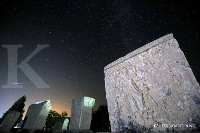 Viral batu meteor terjual Rp 200 juta, ini perbedaan meteor, meteoroid, dan meteorit
