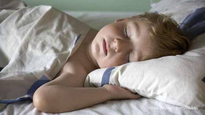 Orangtua wajib tahu, berikut manfaat tidur yang cukup bagi buah hati