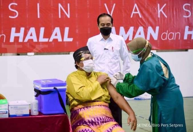 Jokowi minta vaksinasi Covid-19 pada bulan depan bisa capai 1 juta per hari