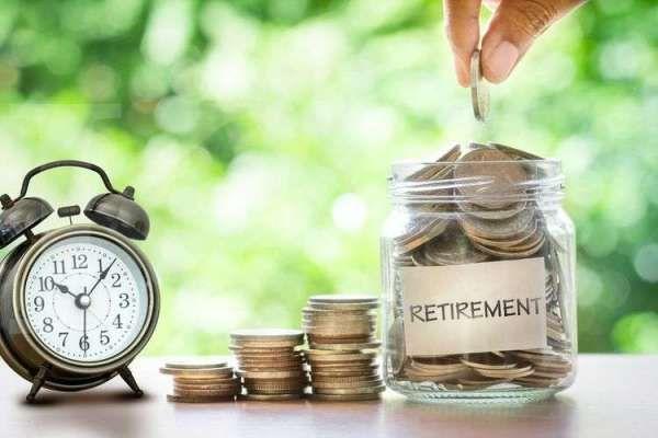 Dalam aturan baru, OJK menekankan penilaian profil risiko dana pensiun berdasarkan delapan jenis risiko. (KOMPAS)