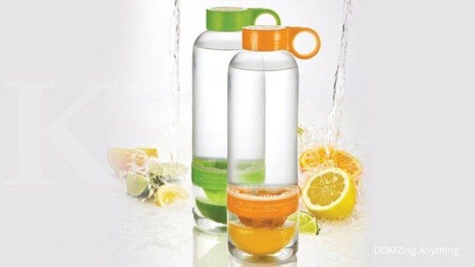 Coba cara membuat infused water yang mudah ini, yuk