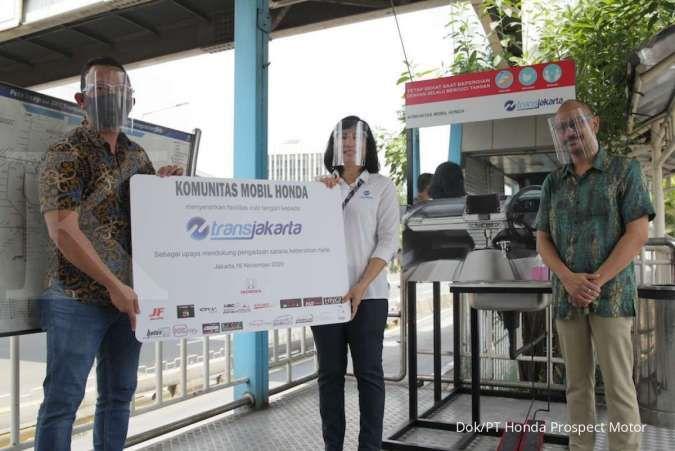 Dukung Pelaksanaan Protokol Kesehatan, Komunitas Mobil Honda Sumbangkan Fasilitas Cuci Tangan untuk Halte Transjakarta
