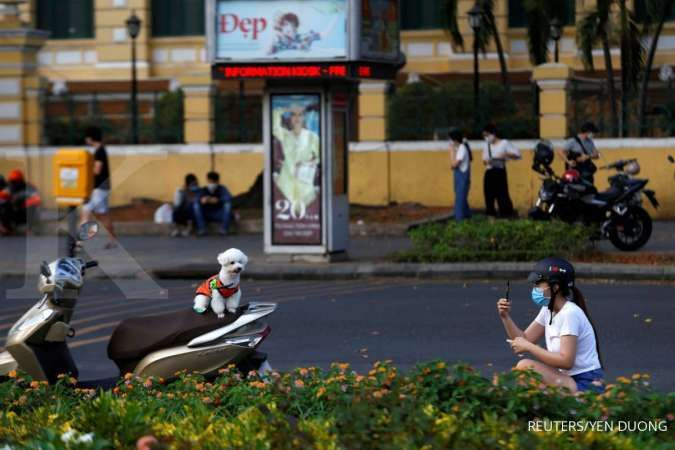 Vietnam back on coronavirus alert after first local infection in 3 months