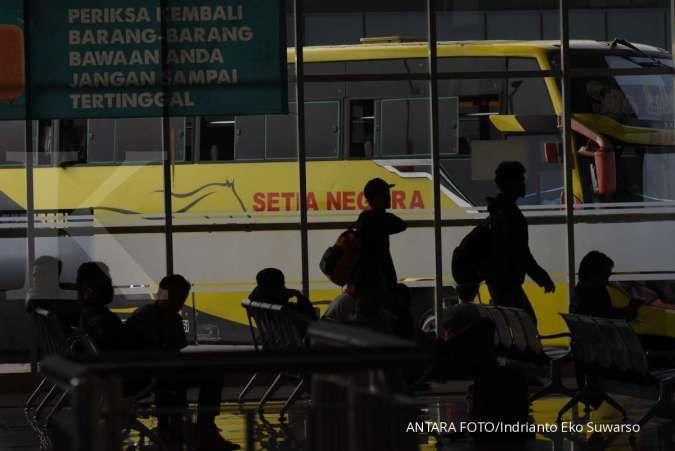 Jokowi minta kajian dampak ekonomi pembatasan mudik