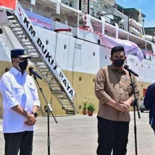 Dukungan untuk Penanganan Covid-19, Menhub Bersama Menteri BUMN Tinjau Kapal Isoter di Medan