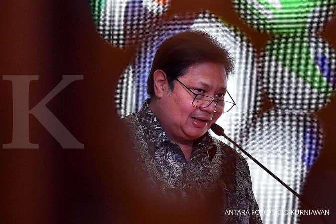 Menko Perekonomian Airlangga Hartarto menyampaikan pidato kunci dalam Rapat Koordinasi Nasional Pengendalian Inflasi Tahun 2020 di Kemenko Perekonomian, Jakarta, Kamis (22/10/2020). ANTARA FOTO/Sigid Kurniawan/foc.