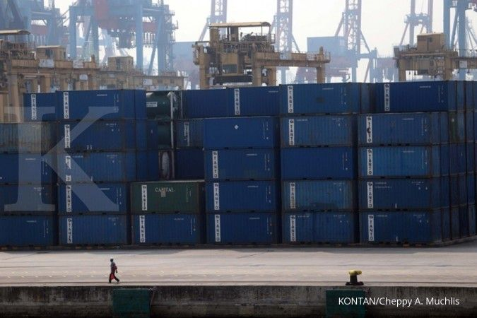 Suasana di terminal petikemas pelabuhan Tanjung Priok, Jakarta, Senin (20/8). . KONTAN/Cheppy A. Muchlis/20/08/2018