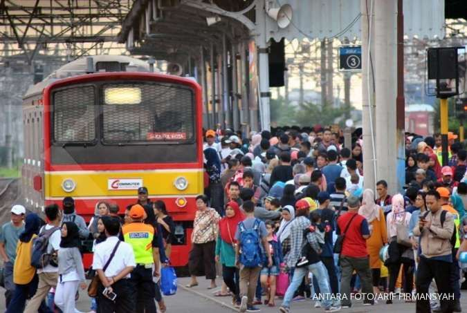 Perjalanan KRL di Stasiun Sudirman dan Cikini tertahan akibat tawuran di Manggarai