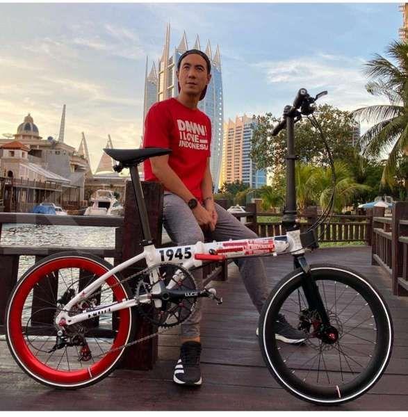 Helmy Yahya harus jawab kuis demi sepeda lipat Element merah-putih Daniel Mananta