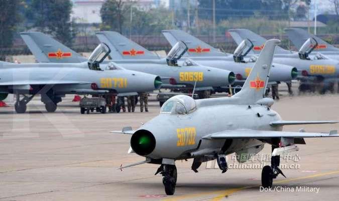 Efisien dan hemat biaya, Angkatan Udara China perbanyak simulator untuk melatih pilot