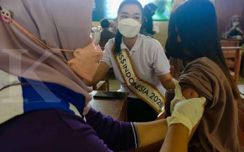 Dihadiri Miss Indonesia Carla Yules, Warga Sambut Antusias Sentra Vaksinasi MNC Peduli di Malasari Bogor