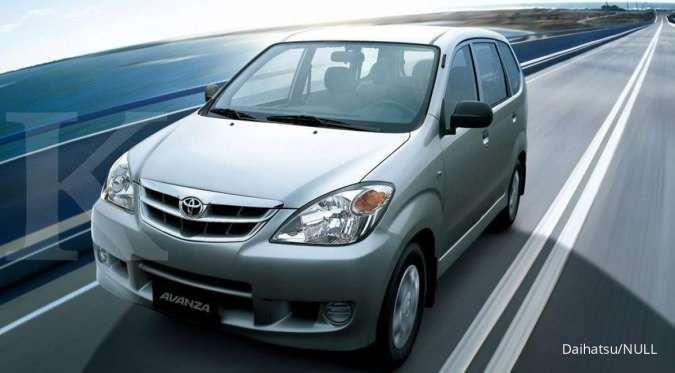 Di Jakarta, lelang mobil dinas Daihatsu Xenia 2012, harga di bawah pasaran
