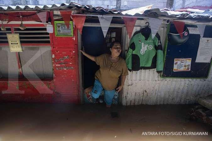 Hingga Minggu petang, sebanyak 20 RT di Jakarta masih tergenang banjir
