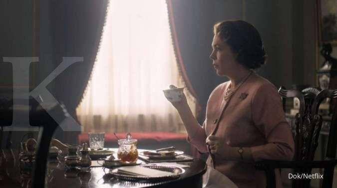 Olivia Colman di The Crown yang tayang di Netflix.