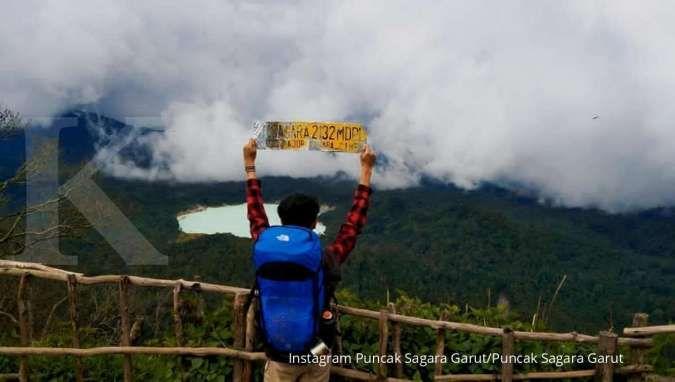 Ingin kemping? Bisa di Puncak Sagara Garut dengan latar pemandangan Talaga Bodas