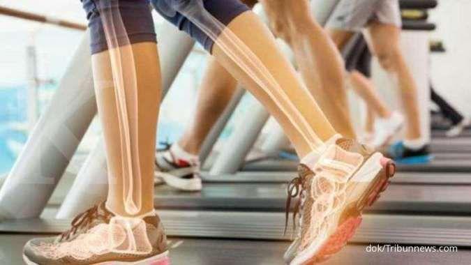Aktivitas yang efektif menjaga kesehatan dan kekuatan tulang, salah satunya berjemur
