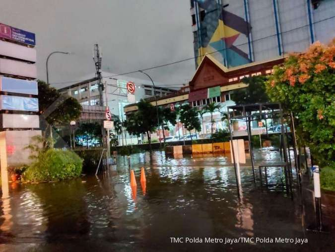 Banjir masih kepung Jakarta, hindari lewat 14 ruas jalan ini