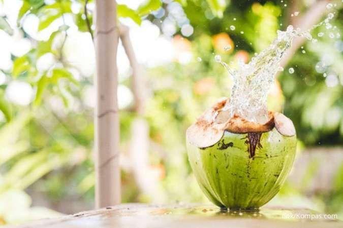 Air kelapa bisa dimanfaatkan sebagai obat sembelit.
