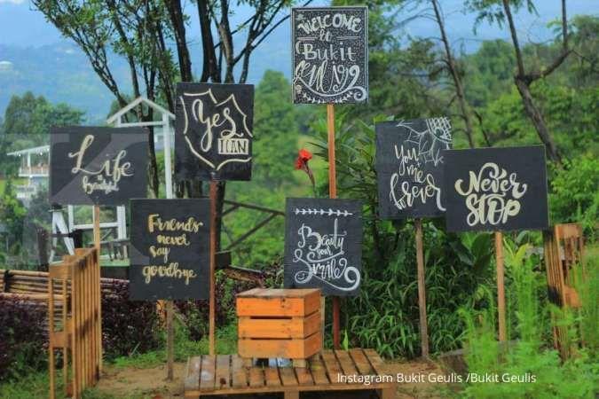 Bukit Geulis punya banyak spot instagramable, cocok untuk foto-foto