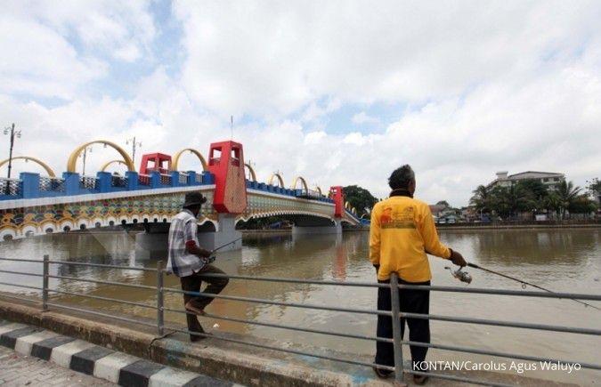 Kota Tangerang akan bikin waterway, sampah di Sungai Cisadane masih jadi masalah