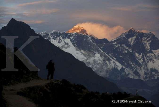 Wanita Hong Kong pecahkan rekor tercepat mendaki Gunung Everest, ini catatan waktunya