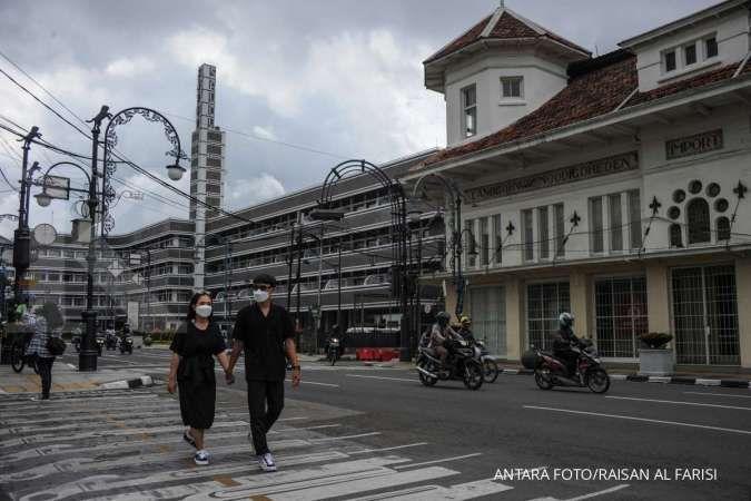 Cuaca besok di Jawa dan Bali: Bandung hujan ringan, Denpasar cerah berawan