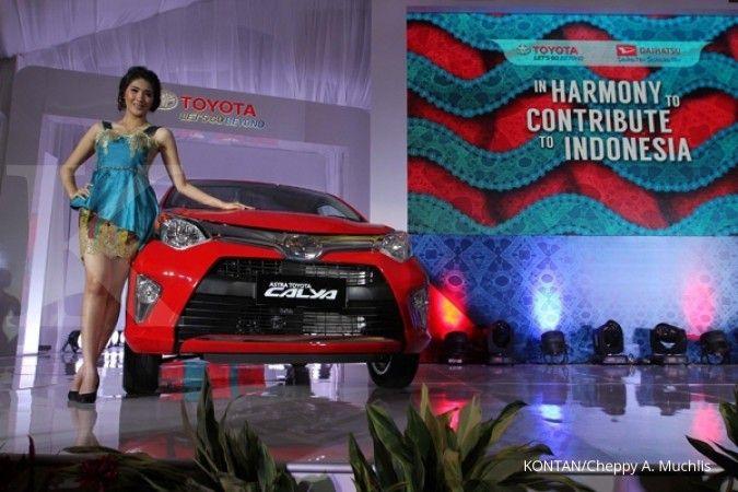 Ada bonus kaca dan karpet, ini harga mobil baru LCGC Toyota Agya & Calya di Surabaya