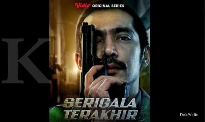 Abimana Artasatya dalam poster series Serigala Terakhir yang akan tayang di Vidio.