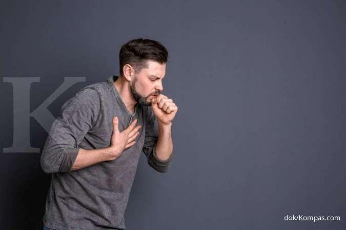 Batuk yang terlalu keras dapat menyebabkan sakit dada sebelah kanan.