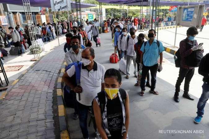 India coronavirus cases hit record high amid monsoon rains