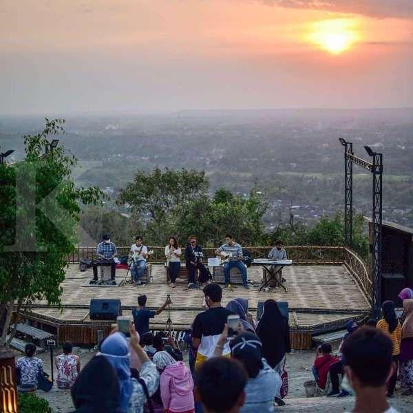 Puncak Sosok Bantul, destinasi wisata yang cocok untuk dikunjungi saat malam hari