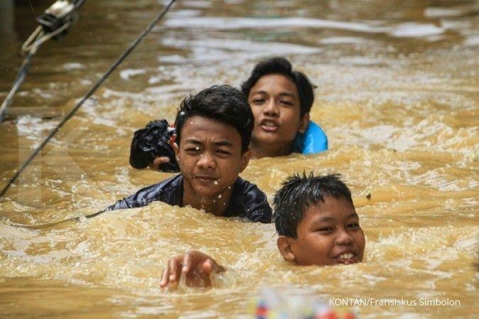 Anies sebut anak-anak suka bermain saat banjir di Jakarta